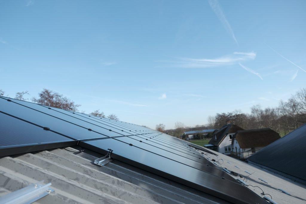 Duurzame installatie. Wij zorgen voor de levering en installatie van de systemen die nodig zijn voor uw duurzame huis. Vraag hier informatie op!